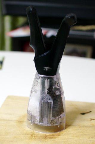 片手で使えるペッパーミル